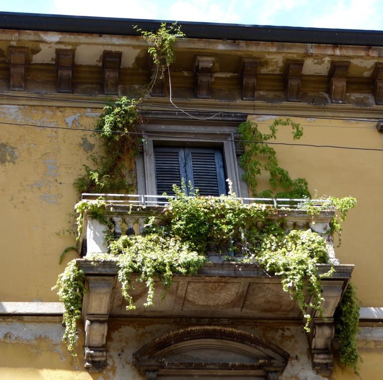 milan balcony